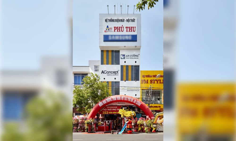 PHU YEN ONE-STOP SHOPPING CENTER (PHU THU)