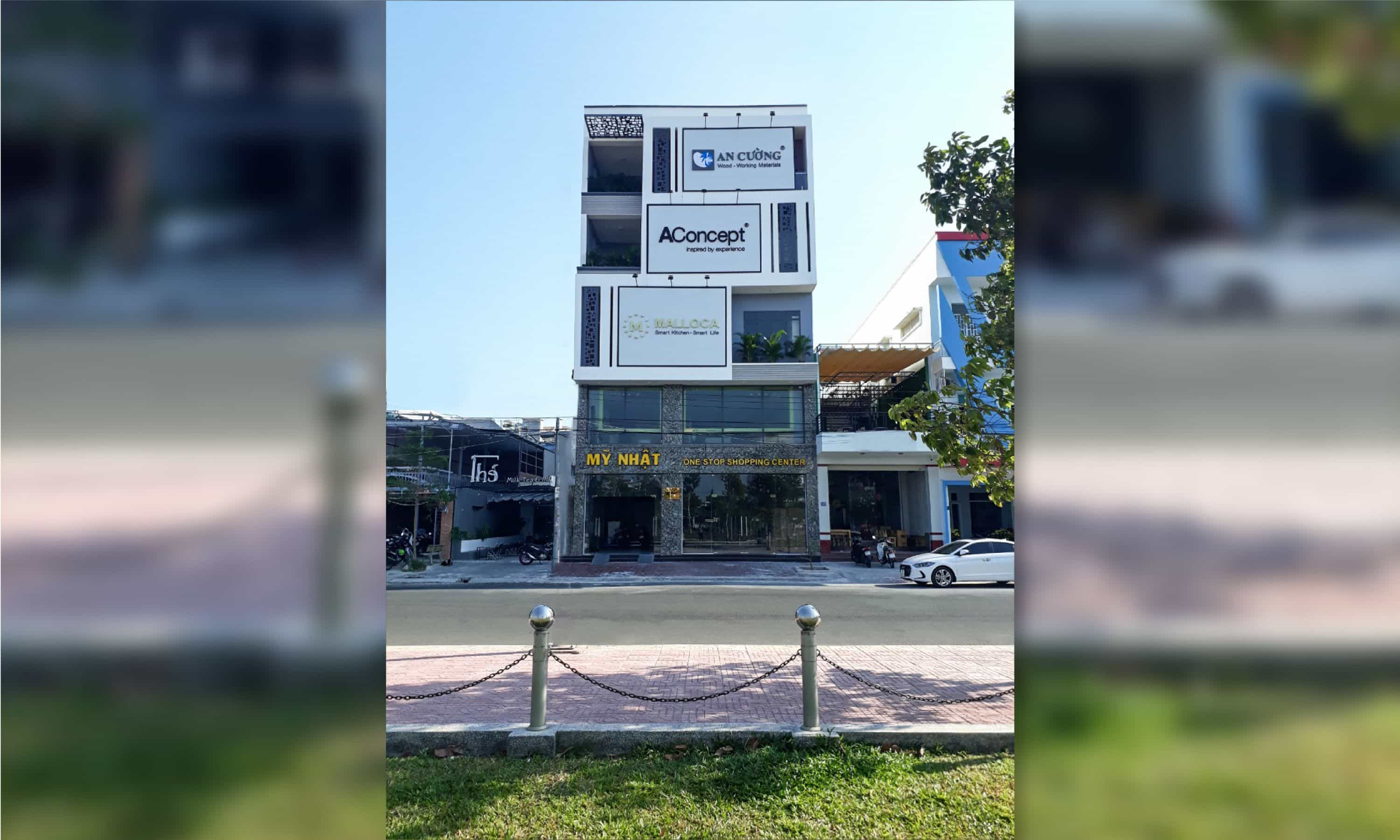 PHAN THIẾT ONE-STOP SHOPPING CENTER<br />